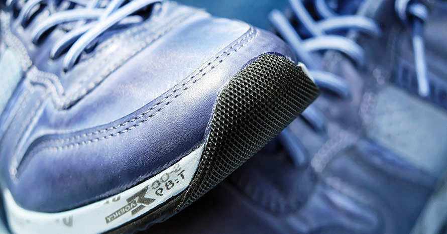Adidas skor